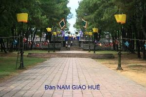 800px-Dan_Nam_Giao_Hue