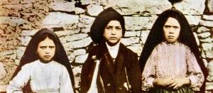 Die beiden Seherkinder von Fatima, Francesco (Mitte) und Giacinta Marto (l.) sollen demnächst seliggesprochen werden.